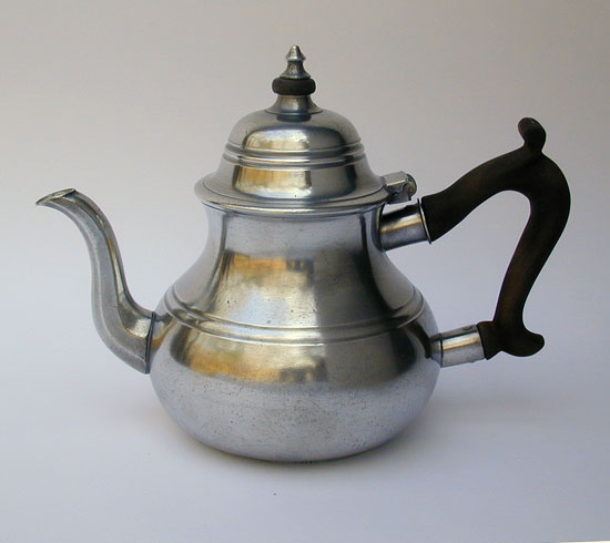 A Quart Antique Pewter English Export Teapot by John Townsend