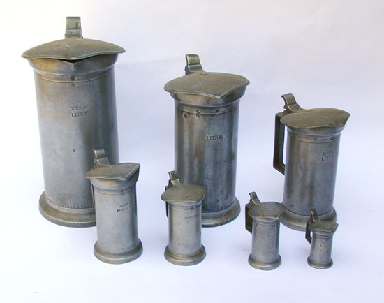 A Set of Lidded French Measures
