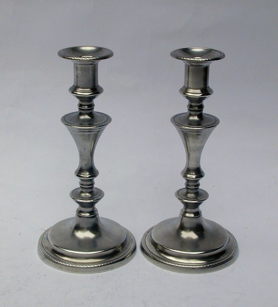 A Pair of Rope Border English Push-Up Candlesticks