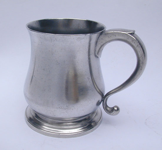 A Squat Tulip Export Pewter Mug by Townsend & Compton