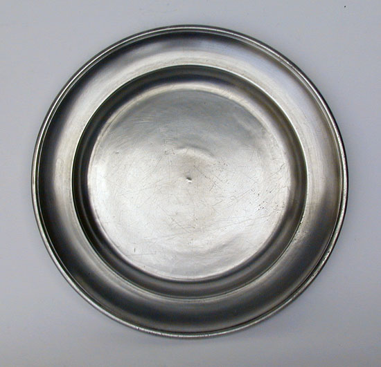 An Antique American Single Reed Rim Pewter Plate by Thomas Danforth III