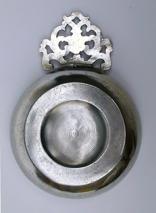 An Unmarked Antique American Small Porringer Attributed to William Billings